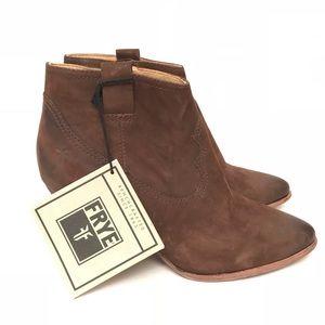 NWT FRYE Reina Dark Brown Leather Boots Sz 8M
